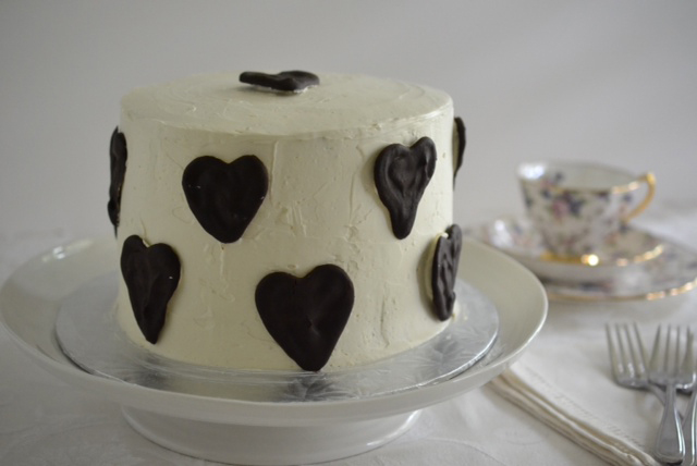 The Daring Bakers' July 2014 Challenge: Surprise Cake